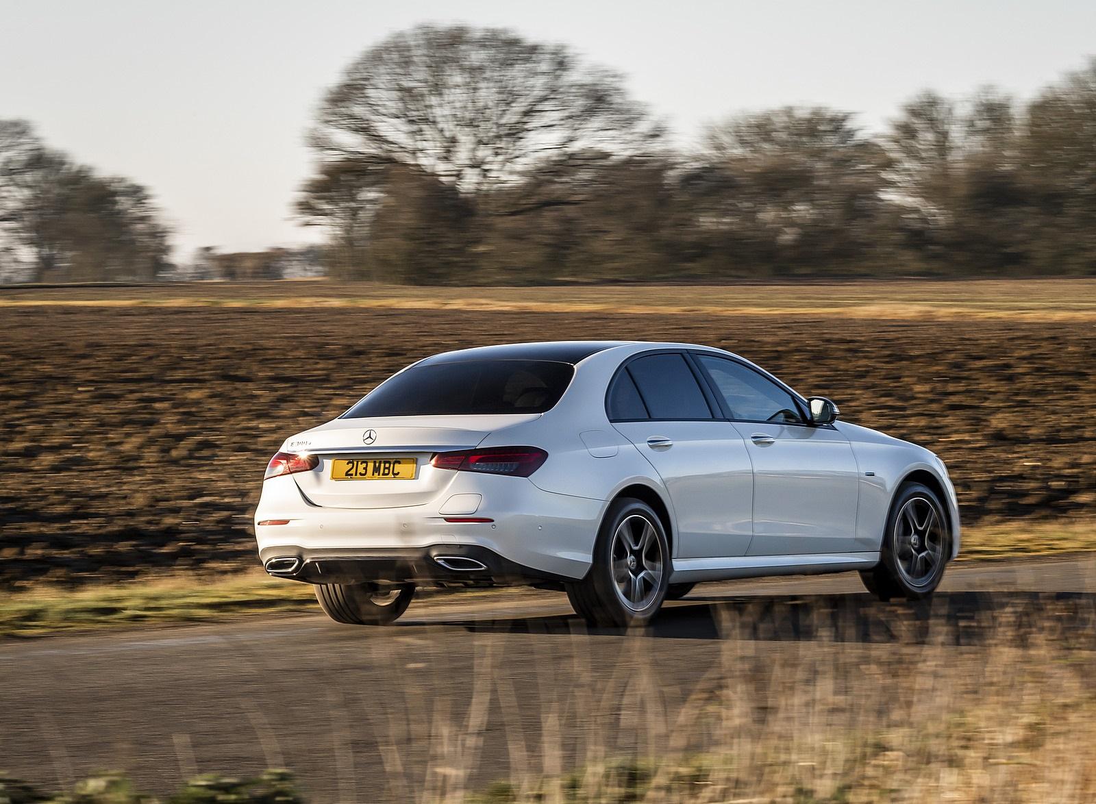 2021 Mercedes-Benz E 300 e Plug-In Hybrid (UK-Spec) Rear Three-Quarter Wallpapers (6)