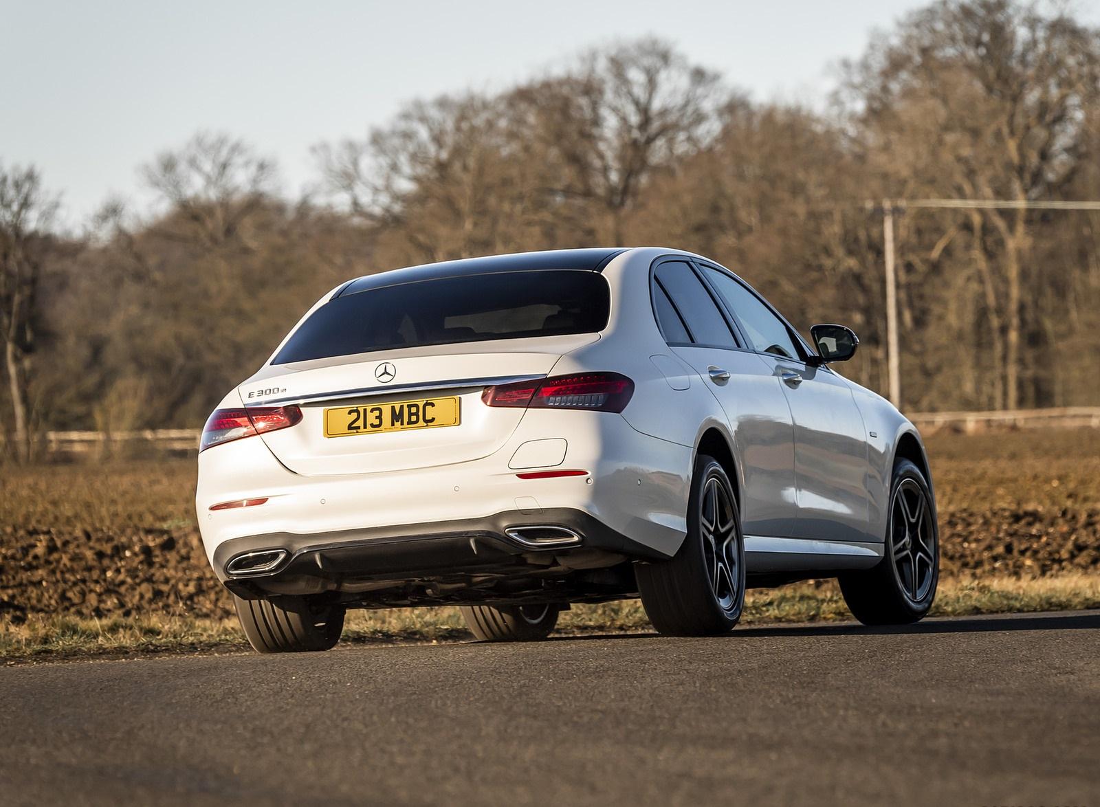 2021 Mercedes-Benz E 300 e Plug-In Hybrid (UK-Spec) Rear Three-Quarter Wallpapers (7)