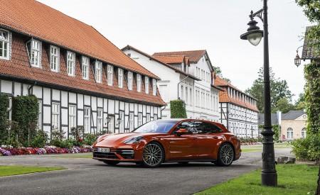 2021 Porsche Panamera Turbo S Sport Turismo (Color: Papaya Metallic) Front Three-Quarter Wallpapers 450x275 (40)