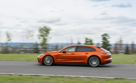 2021 Porsche Panamera Turbo S Sport Turismo (Color: Papaya Metallic) Side Wallpapers 450x275 (39)