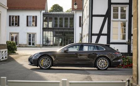 2021 Porsche Panamera Turbo S Sport Turismo (Color: Truffle Brown Metallic) Side Wallpapers 450x275 (97)