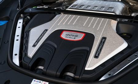 2021 Porsche Panamera Turbo S Sport Turismo (US-Spec; Color: GT Silver Metallic) Engine Wallpapers 450x275 (23)