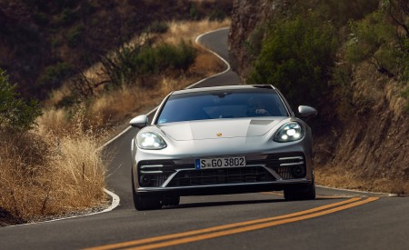 2021 Porsche Panamera Turbo S Sport Turismo (US-Spec; Color: GT Silver Metallic) Front Wallpapers 450x275 (10)