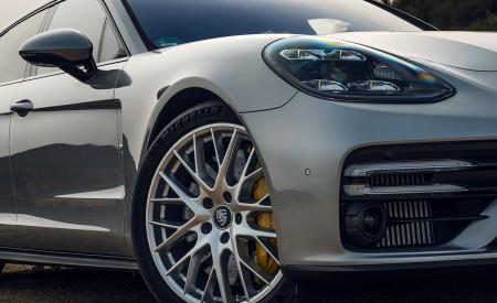 2021 Porsche Panamera Turbo S Sport Turismo (US-Spec; Color: GT Silver Metallic) Headlight Wallpapers 450x275 (18)