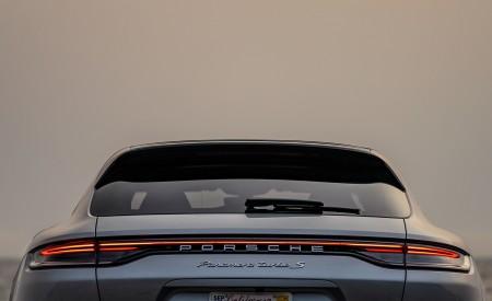 2021 Porsche Panamera Turbo S Sport Turismo (US-Spec; Color: GT Silver Metallic) Tail Light Wallpapers 450x275 (21)