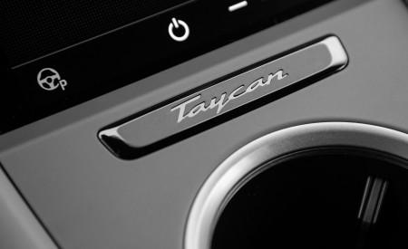 2021 Porsche Taycan (Color: Frozen Berry Metallic) Central Console Wallpapers 450x275 (208)
