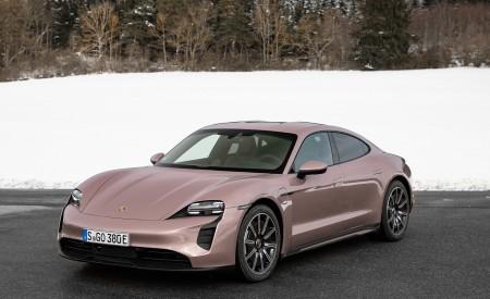 2021 Porsche Taycan (Color: Frozen Berry Metallic) Front Three-Quarter Wallpapers 450x275 (171)