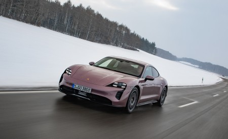 2021 Porsche Taycan (Color: Frozen Berry Metallic) Front Wallpapers  450x275 (152)