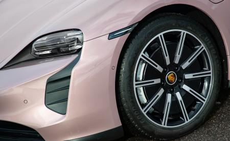 2021 Porsche Taycan (Color: Frozen Berry Metallic) Wheel Wallpapers 450x275 (179)