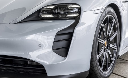 2021 Porsche Taycan (Color: Ice Grey Metallic) Headlight Wallpapers 450x275 (80)