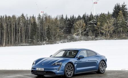 2021 Porsche Taycan (Color: Neptune Blue) Front Three-Quarter Wallpapers 450x275 (32)