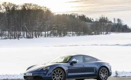 2021 Porsche Taycan (Color: Neptune Blue) Front Three-Quarter Wallpapers 450x275 (33)