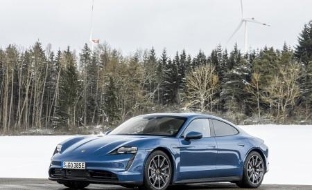 2021 Porsche Taycan (Color: Neptune Blue) Front Three-Quarter Wallpapers 450x275 (34)