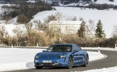 2021 Porsche Taycan (Color: Neptune Blue) Front Three-Quarter Wallpapers 450x275 (3)