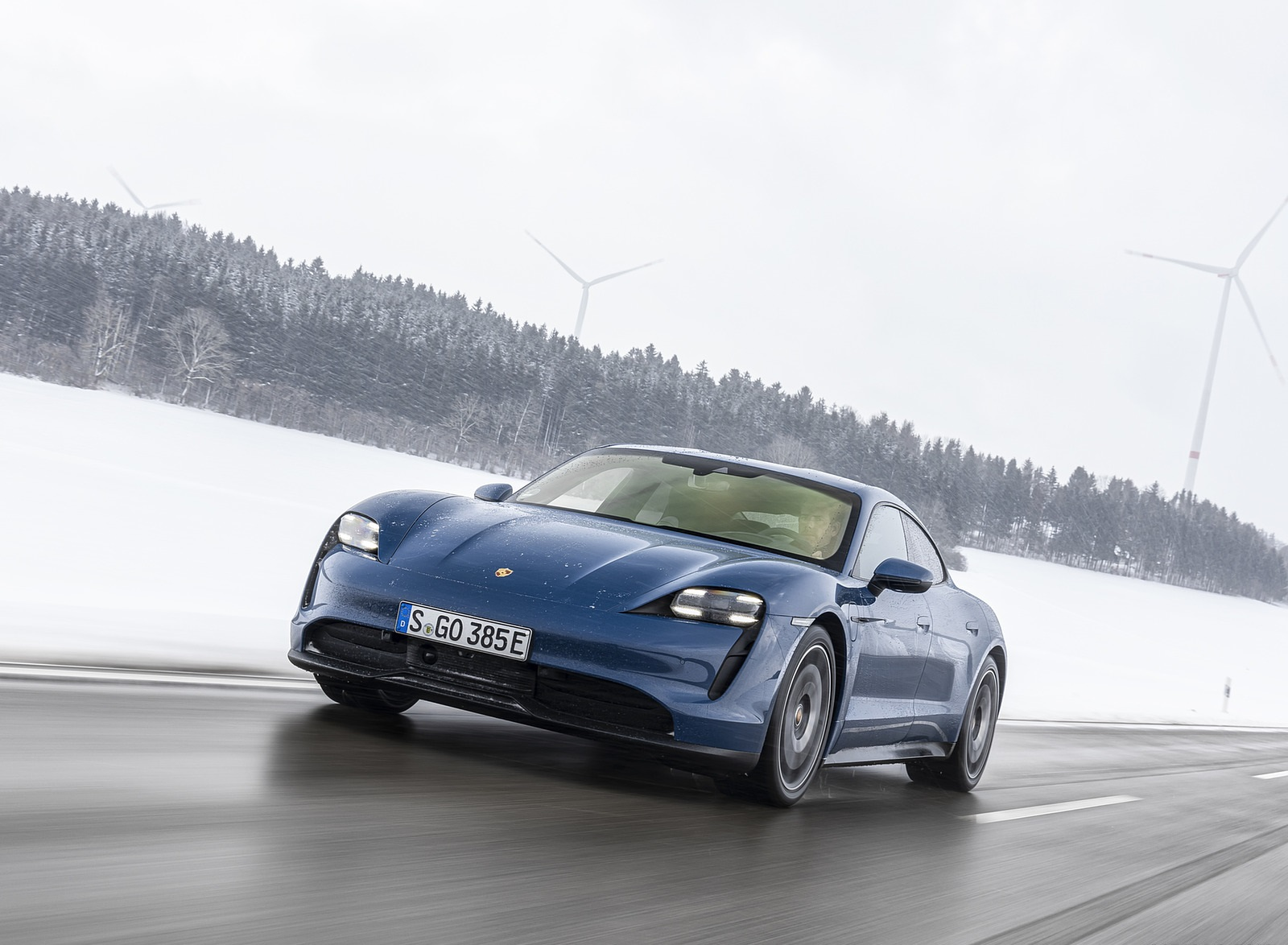 2021 Porsche Taycan (Color: Neptune Blue) Front Wallpapers (4)