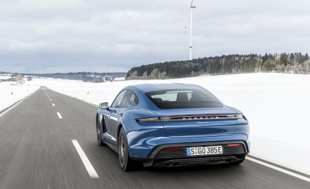 2021 Porsche Taycan (Color: Neptune Blue) Rear Three-Quarter Wallpapers 450x275 (24)