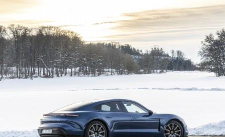 2021 Porsche Taycan (Color: Neptune Blue) Rear Three-Quarter Wallpapers 450x275 (36)