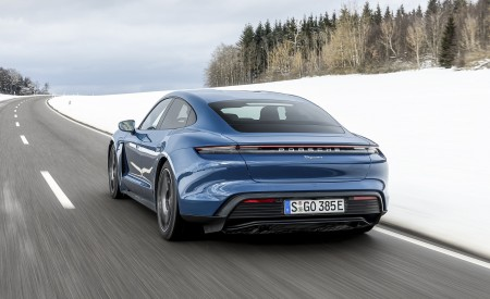 2021 Porsche Taycan (Color: Neptune Blue) Rear Three-Quarter Wallpapers 450x275 (25)