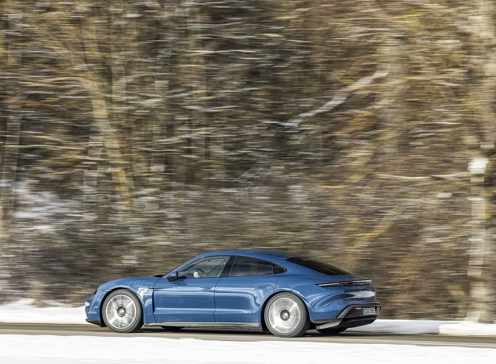 2021 Porsche Taycan (Color: Neptune Blue) Side Wallpapers (10)