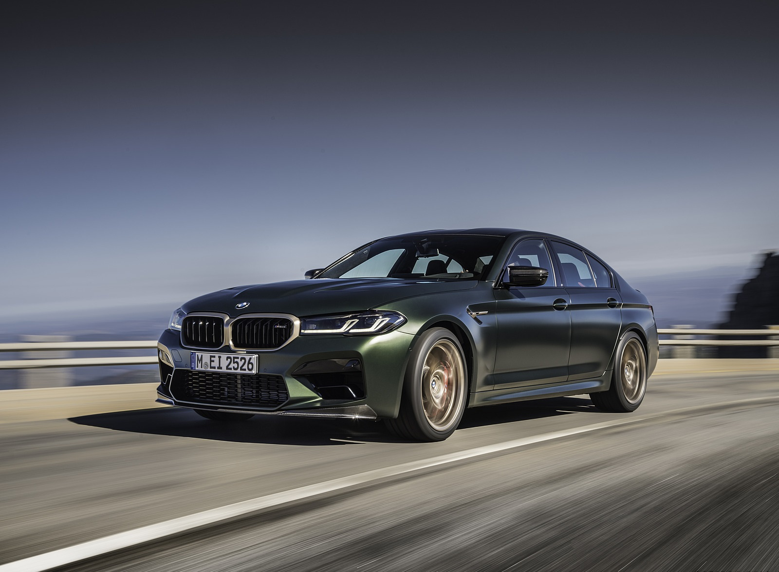 2022 BMW M5 CS Front Three-Quarter Wallpapers  (2)