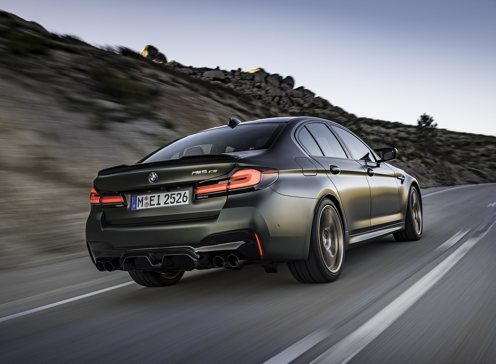 2022 BMW M5 CS Rear Three-Quarter Wallpapers (5)