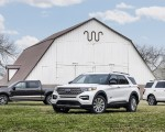 2021 Ford Explorer King Ranch Front Three-Quarter Wallpapers 150x120 (8)
