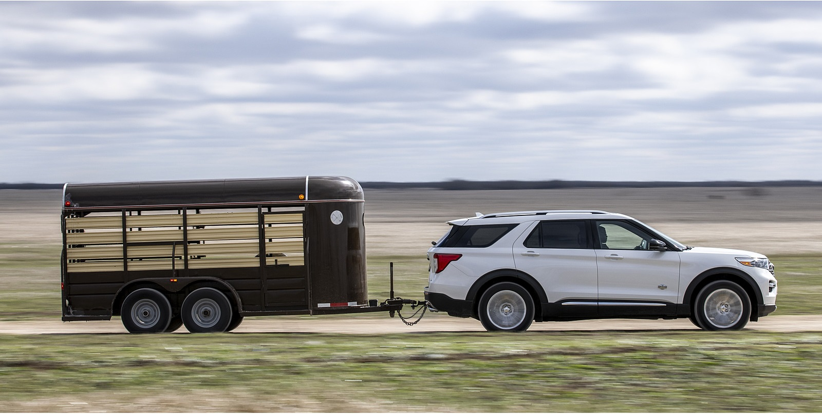 2021 Ford Explorer King Ranch Side Wallpapers  (5)