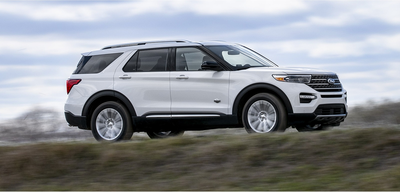 2021 Ford Explorer King Ranch Side Wallpapers (6)