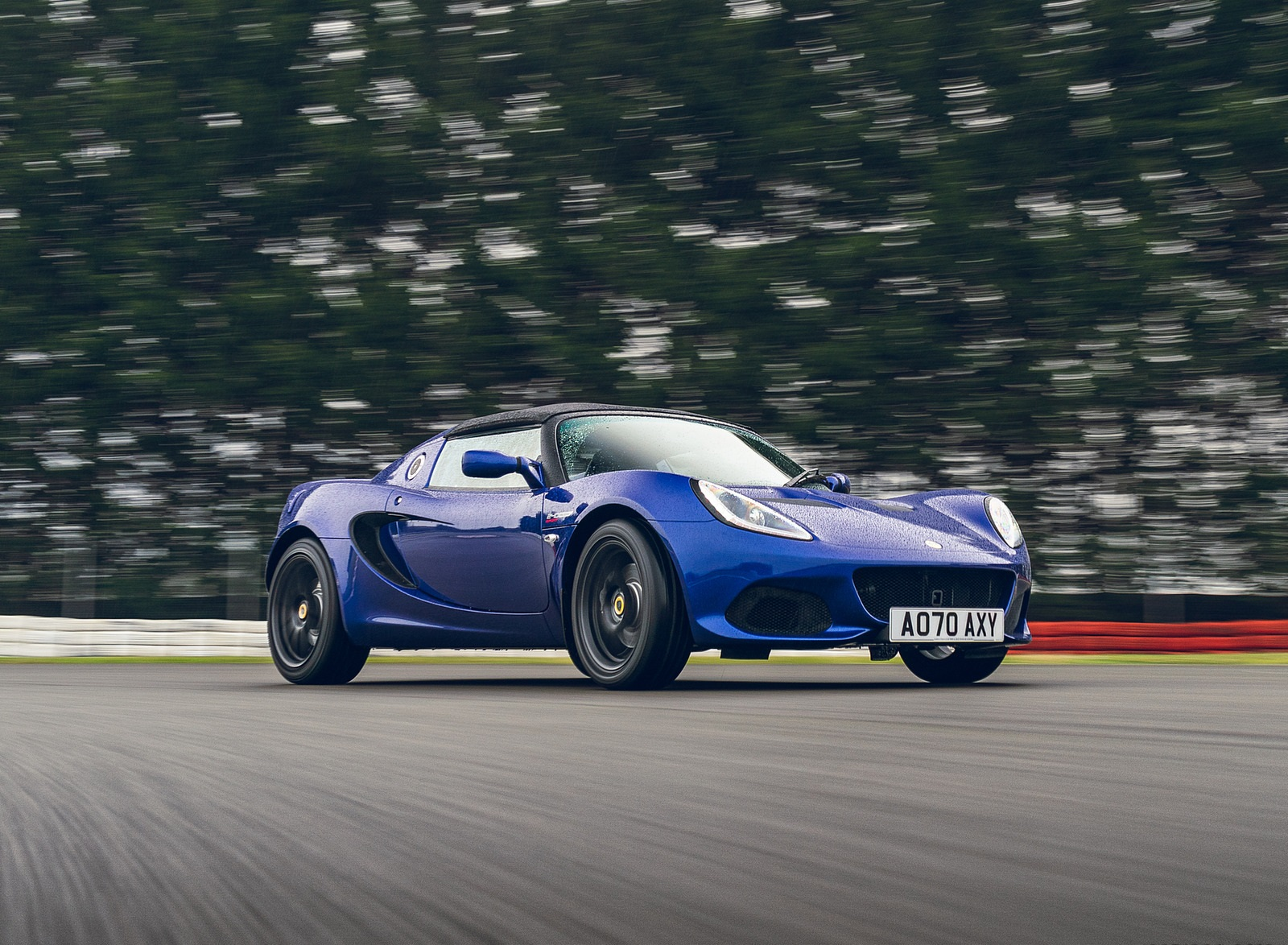 2021 Lotus Elise Sport 240 Final Edition Front Three-Quarter Wallpapers  (3)