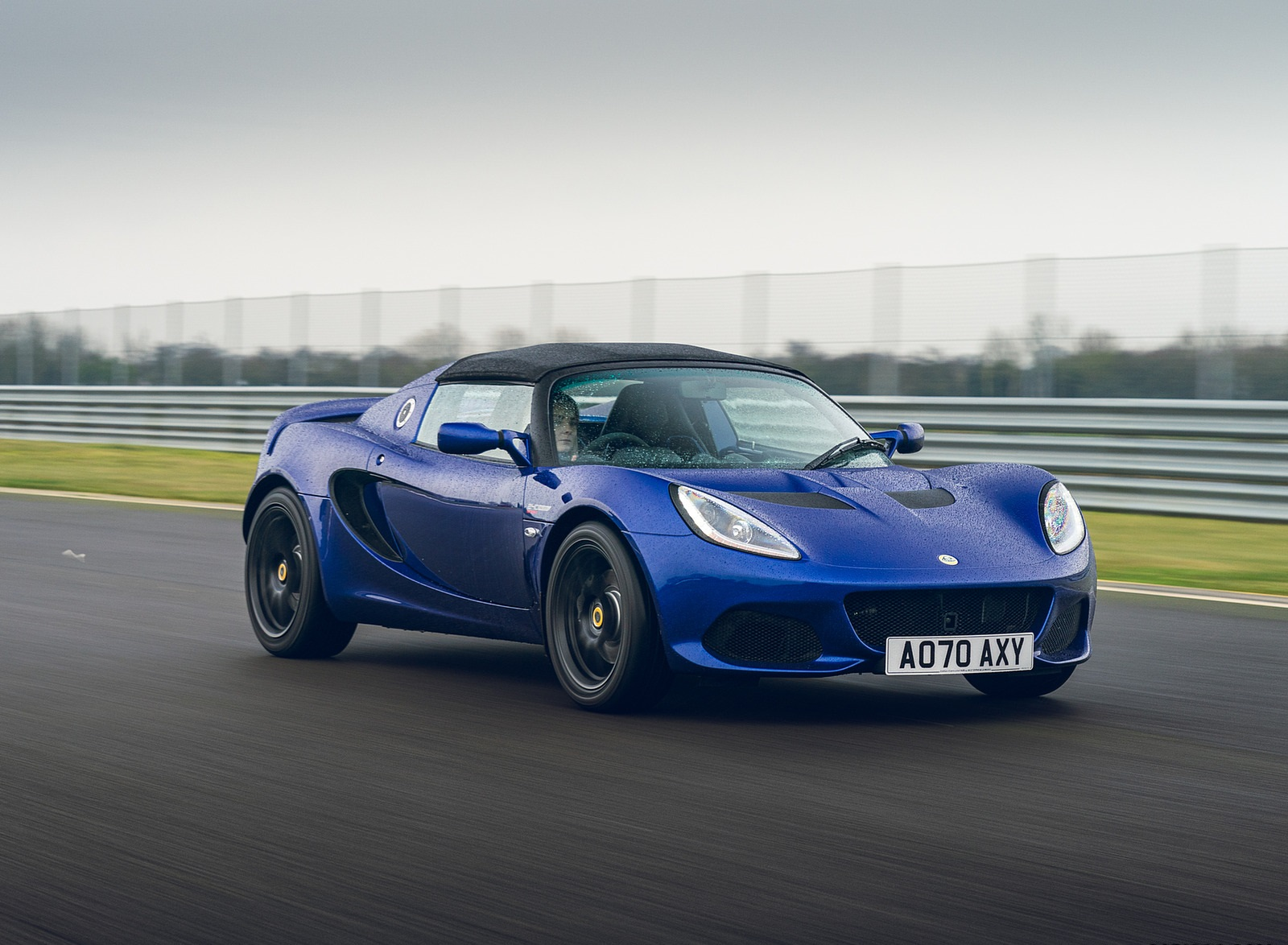2021 Lotus Elise Sport 240 Final Edition Front Three-Quarter Wallpapers  (1)