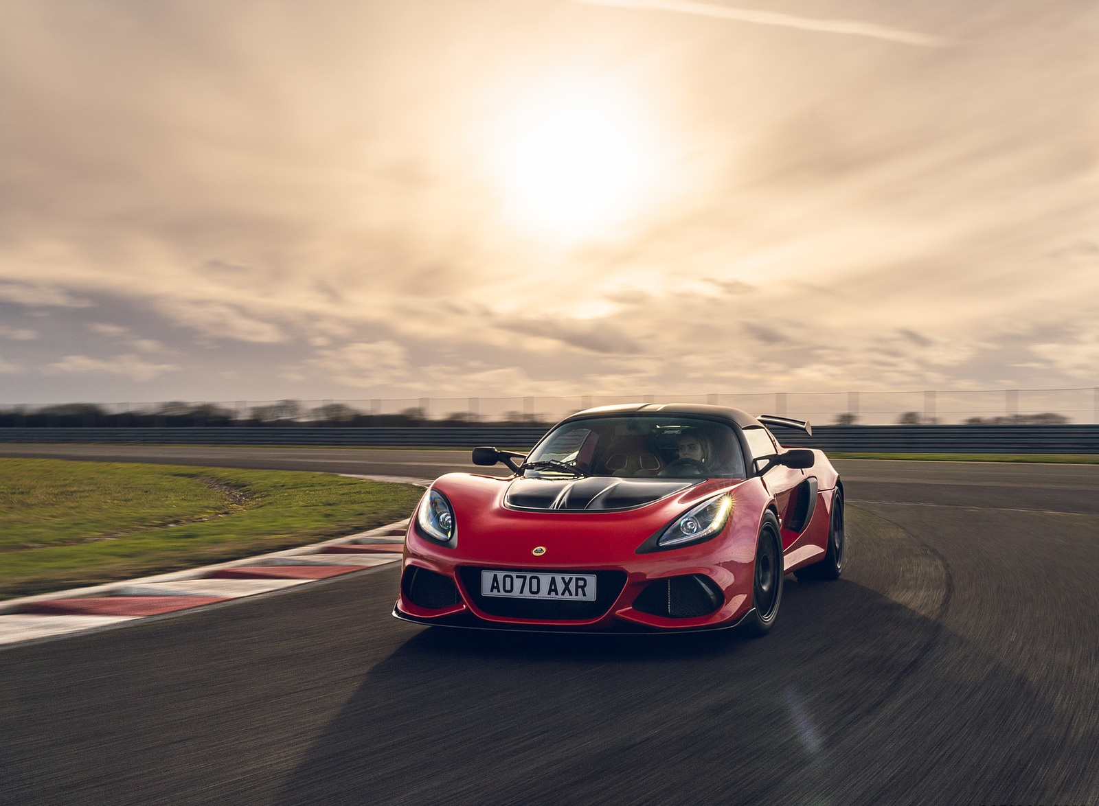 2021 Lotus Exige Sport 420 Final Edition Front Three-Quarter Wallpapers (3)