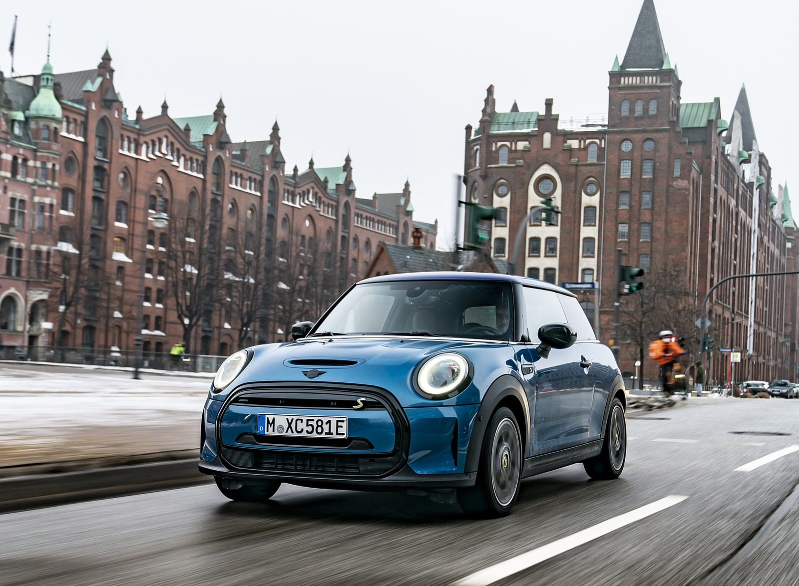 2021 MINI Cooper SE Electric Front Wallpapers (1)