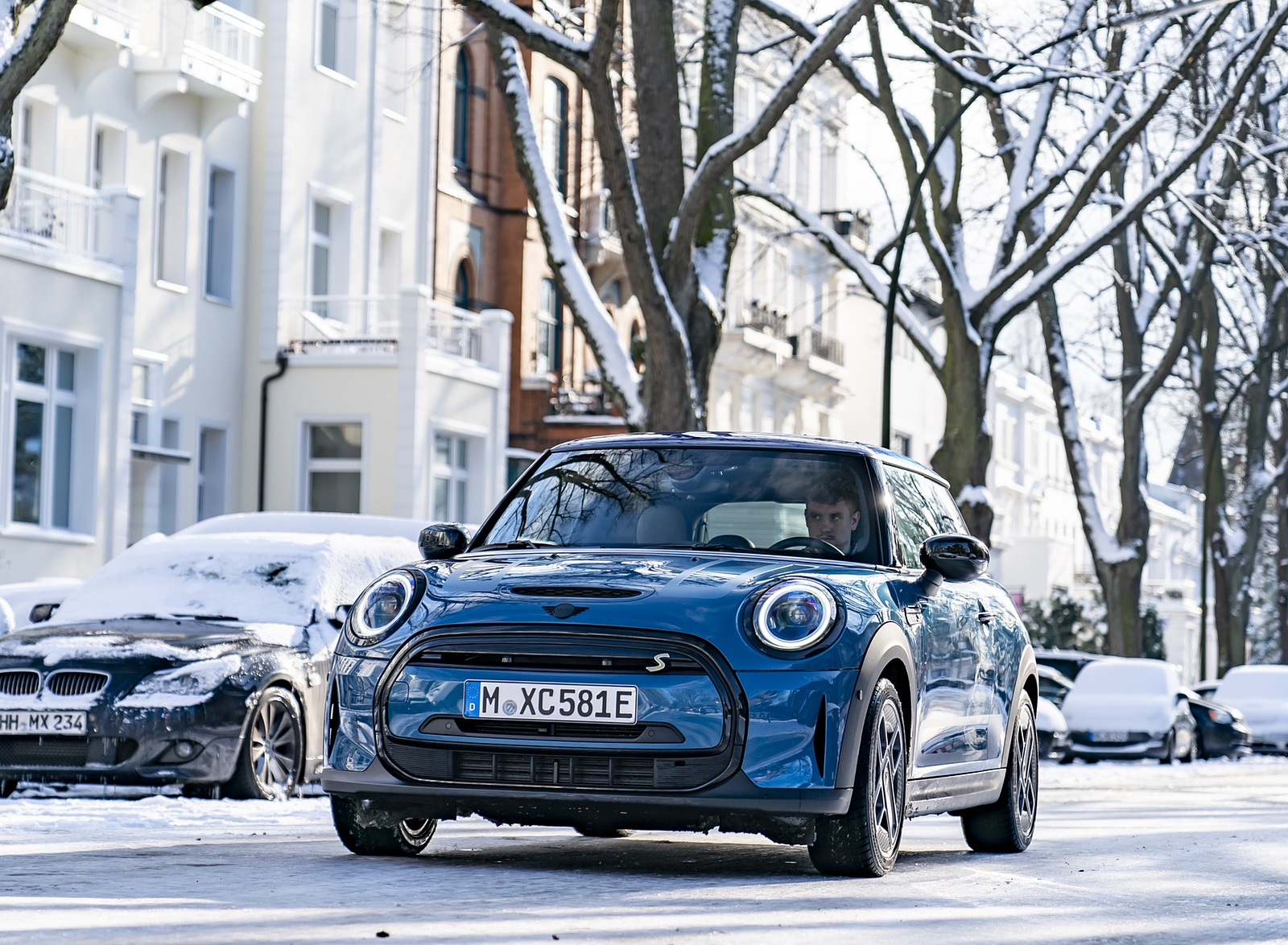 2021 MINI Cooper SE Electric Front Wallpapers (5)