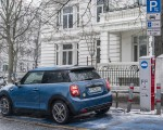 2021 MINI Cooper SE Electric Rear Three-Quarter Wallpapers 150x120 (49)