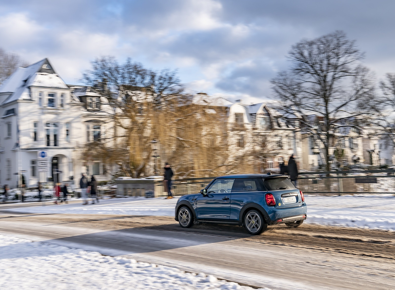2021 MINI Cooper SE Electric Rear Three-Quarter Wallpapers (6)