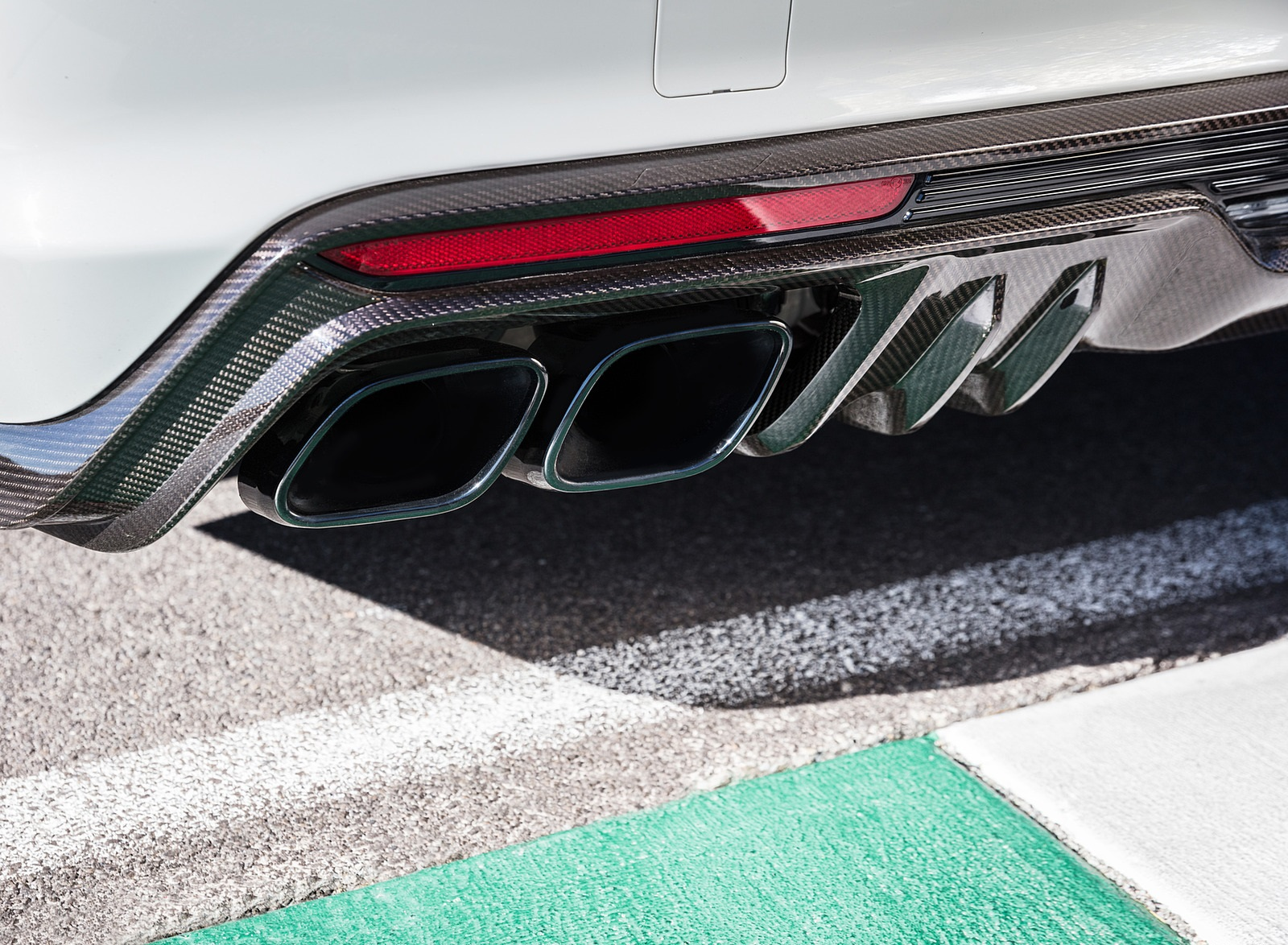 2022 Cadillac CT5-V Blackwing Exhaust Wallpapers (10)