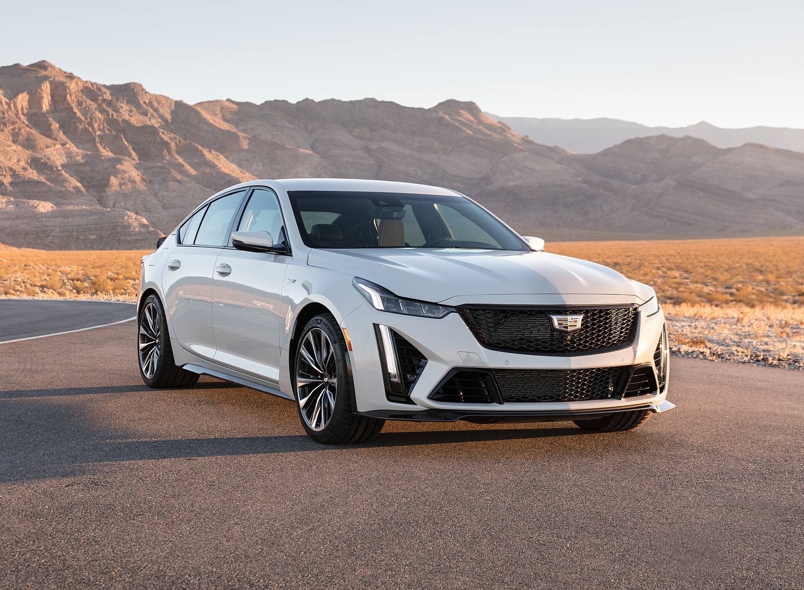 2022 Cadillac CT5-V Blackwing Front Three-Quarter Wallpapers (1)