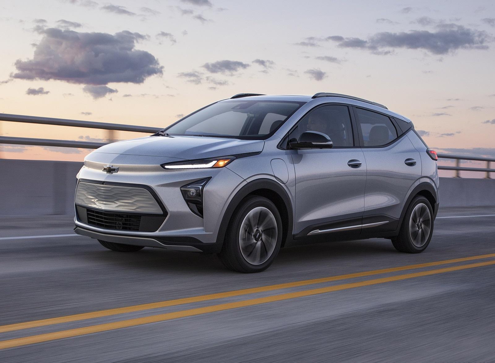 2022 Chevrolet Bolt EUV Front Three-Quarter Wallpapers  (2)
