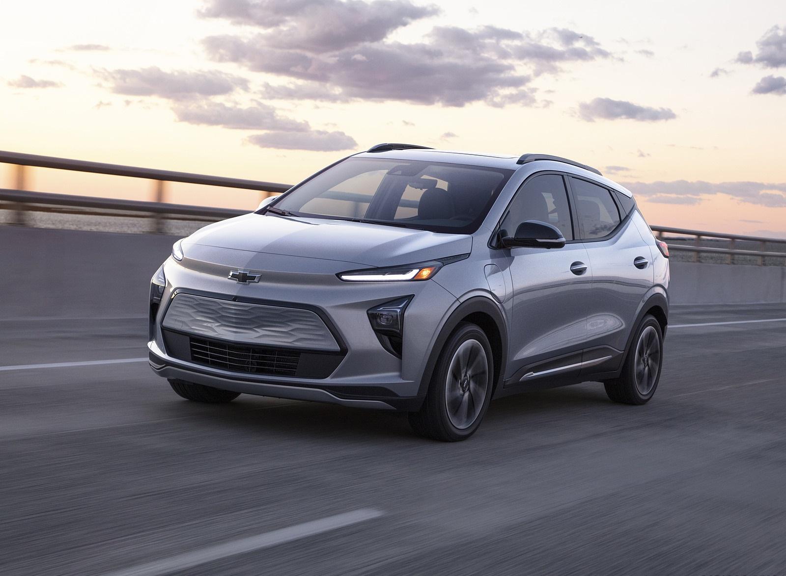 2022 Chevrolet Bolt EUV Front Three-Quarter Wallpapers  (1)