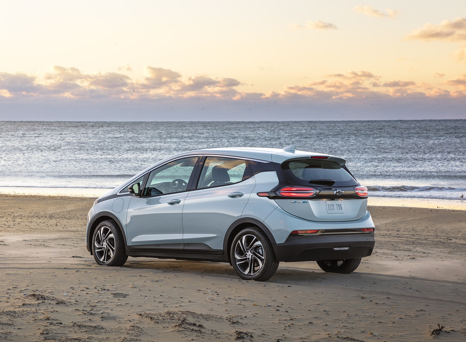 2022 Chevrolet Bolt EV Rear Three-Quarter Wallpapers  (6)