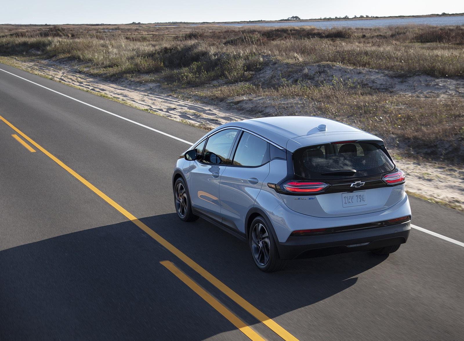 2022 Chevrolet Bolt EV Rear Three-Quarter Wallpapers (3)