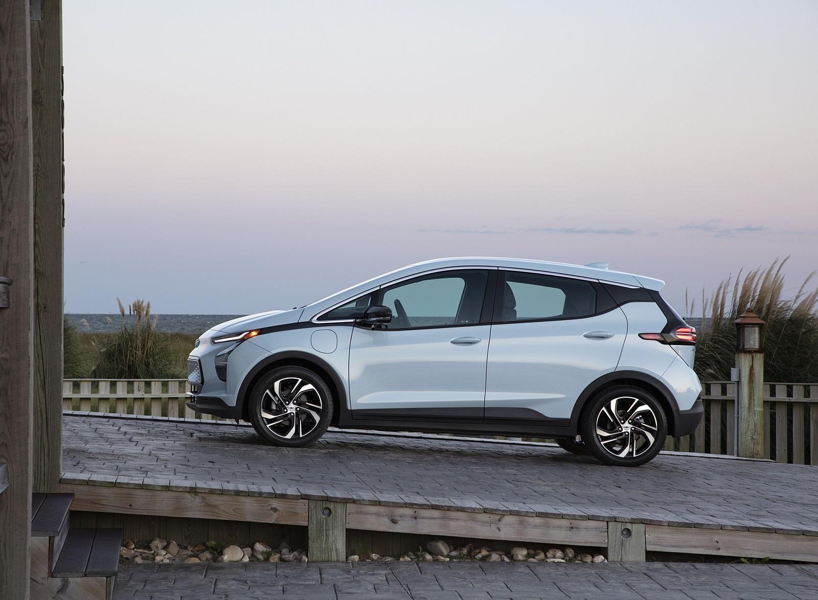 2022 Chevrolet Bolt EV Side Wallpapers  (9)
