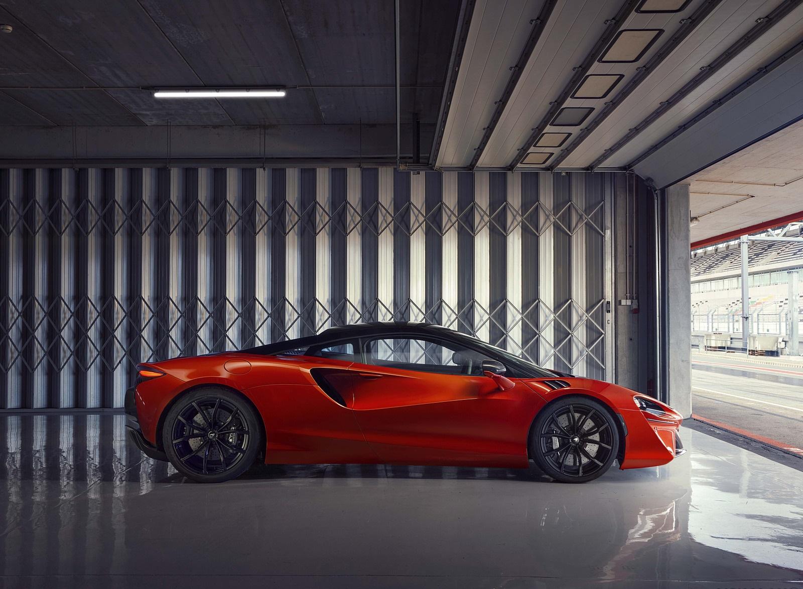 2022 McLaren Artura Side Wallpapers (10)