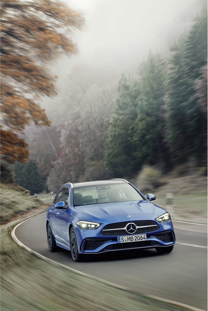 2022 Mercedes-Benz C-Class Wagon T-Model (Color: Spectral Blue) Front Wallpapers (4)