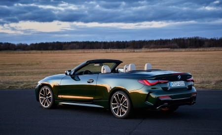2021 BMW 4 Series Convertible Rear Three-Quarter Wallpapers  450x275 (77)