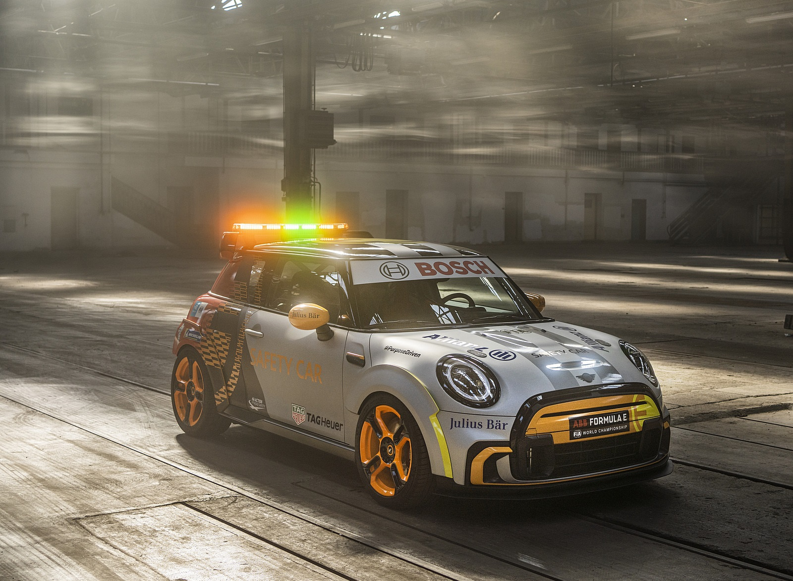 2021 MINI Electric Pacesetter Front Three-Quarter Wallpapers (2)