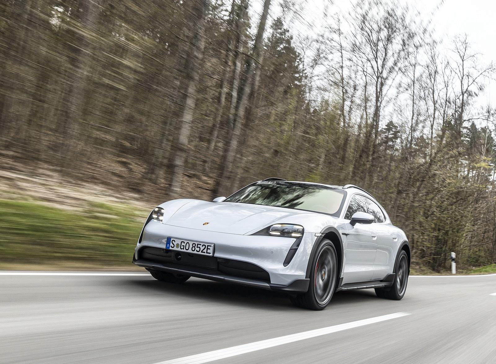 2022 Porsche Taycan 4S Cross Turismo (Color: Ice Grey Metallic) Front Wallpapers (2)