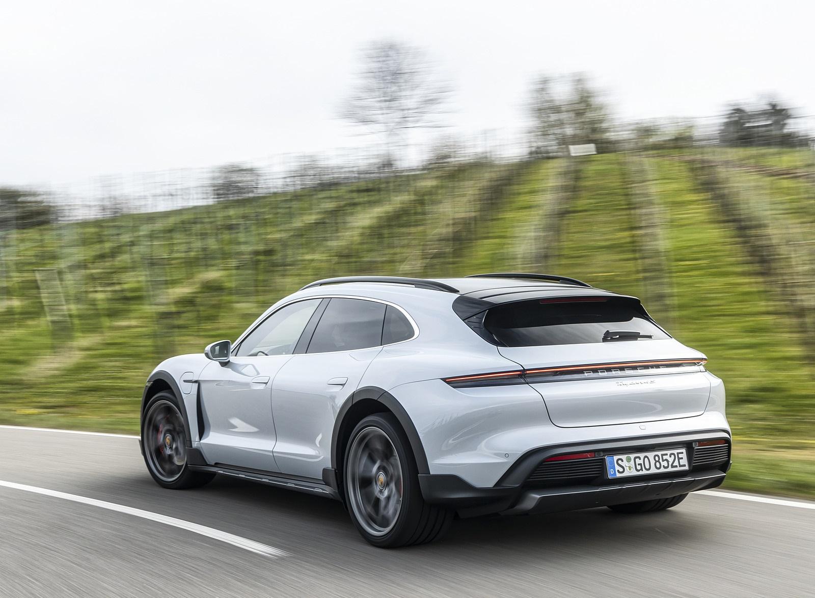 2022 Porsche Taycan 4S Cross Turismo (Color: Ice Grey Metallic) Rear Three-Quarter Wallpapers (4)
