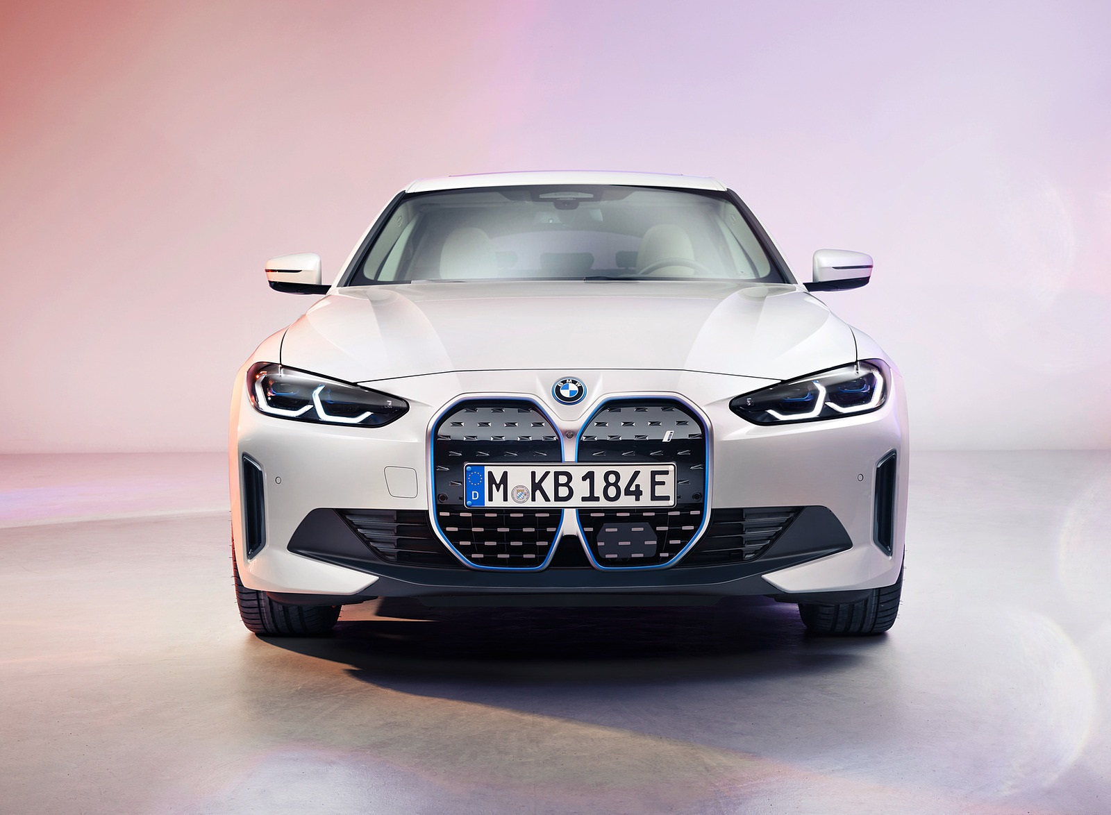 2022 BMW i4 Front Wallpapers (4)