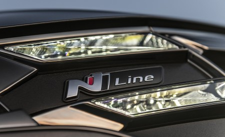 2022 Hyundai Tucson N Line Headlight Wallpapers 450x275 (12)